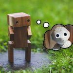 un robot pense a un robot plus moderne symbolisant obsolescence des competences